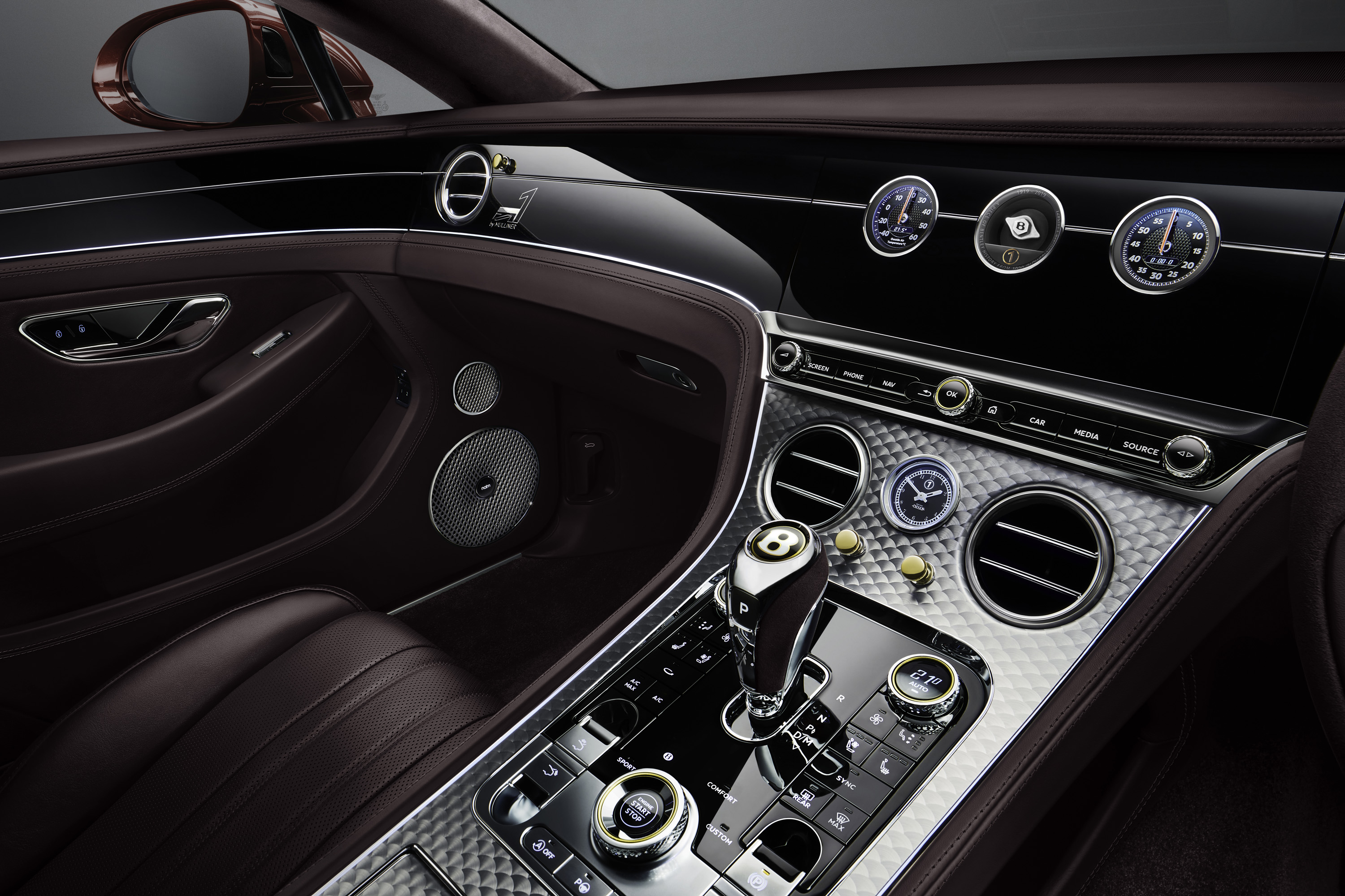 Engine Spin on the centre console of the Number 1 Continental GT Convertible