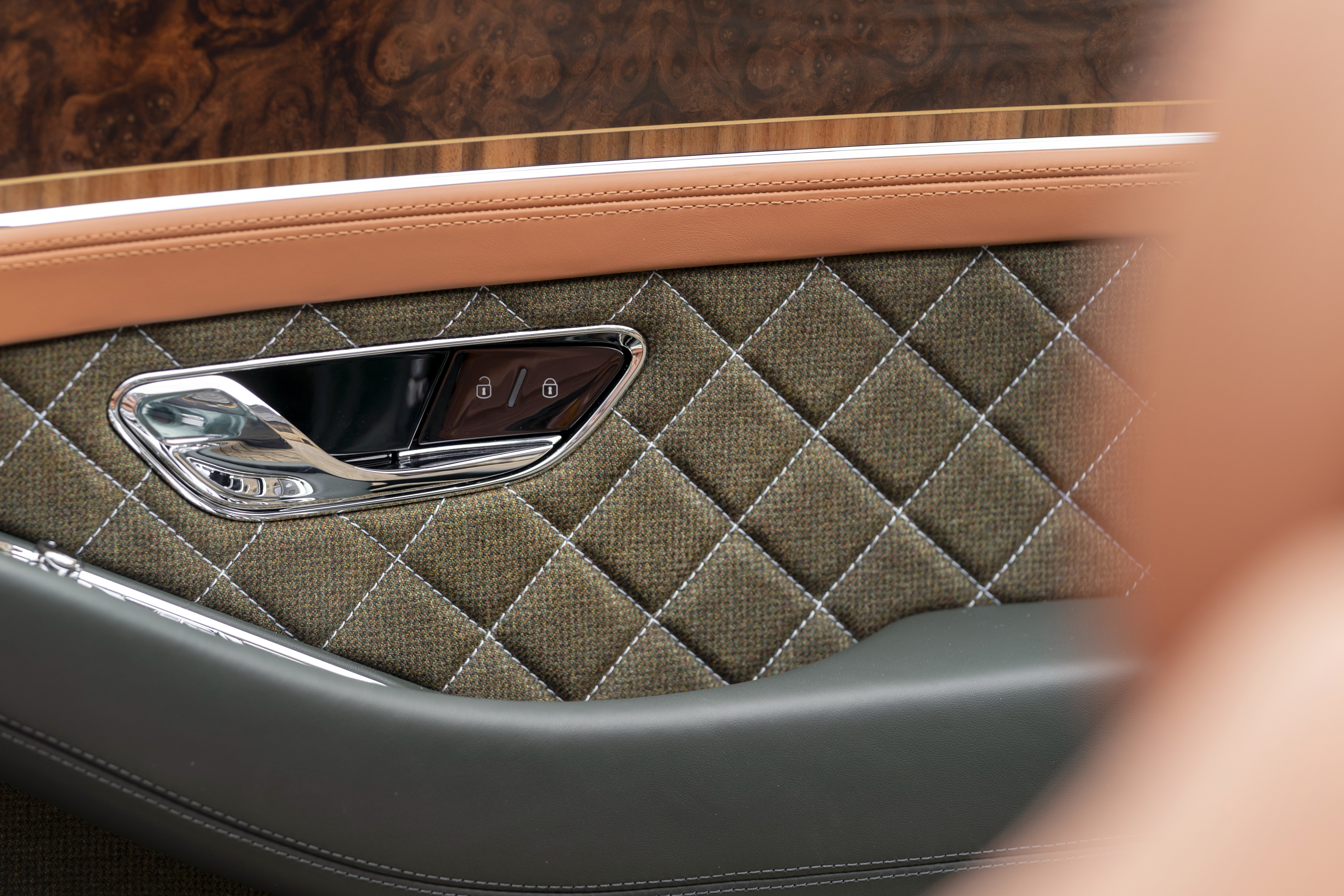 Discover the Continental GT Convertible Equestrian Edition with Rybrook Bentley Bristol