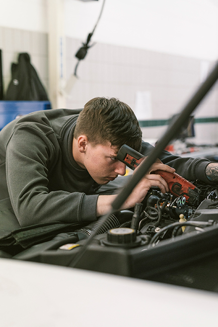 Tom Watson Qualified Technician - Rybrook Jaguar Warrington