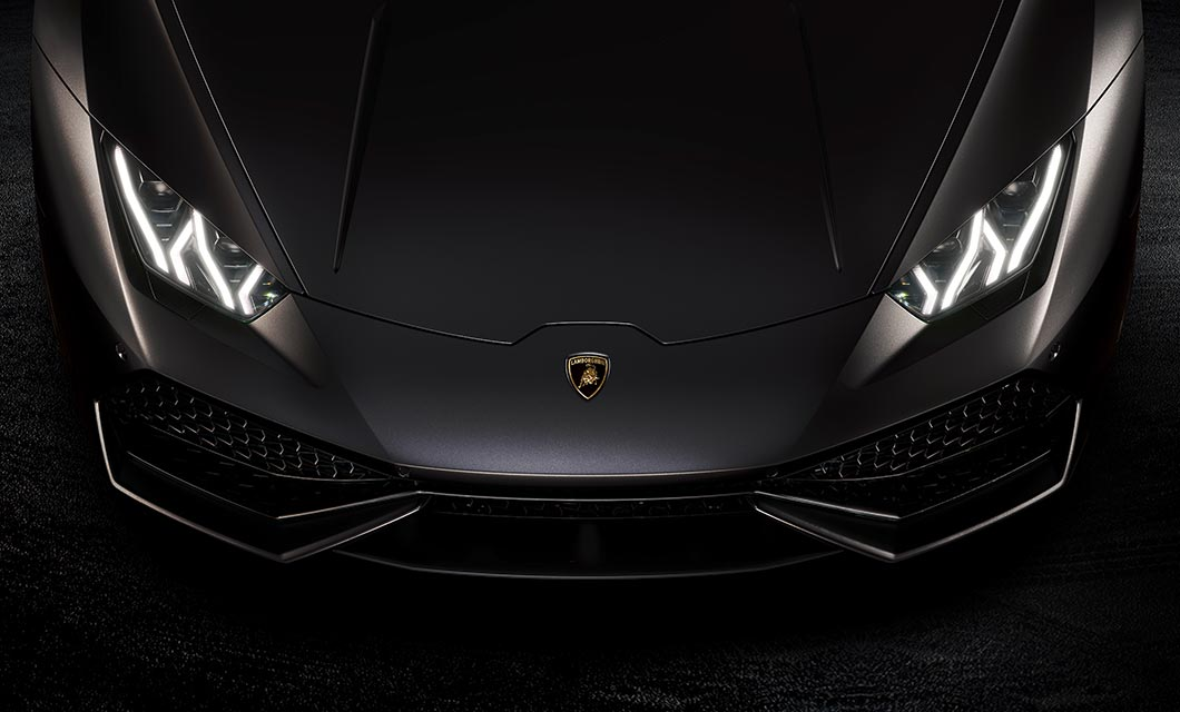 A front end shot of the Lamborghini Huracan finished in matte black
